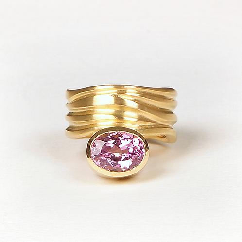 Ring in 750/- Gelbgold mit Kunzit, in RW 53,5