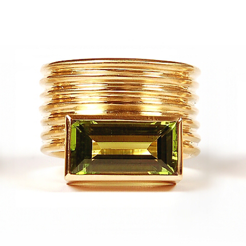 Ring in 750/- Gelbgold mit Peridot, in RW 54