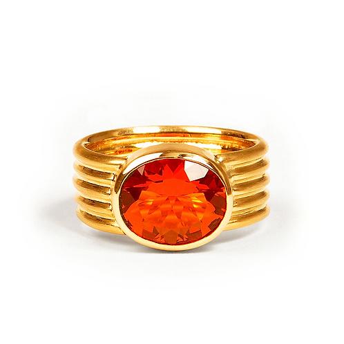 Ring mit Feueropal in 750er Gelbgold, in RW 51