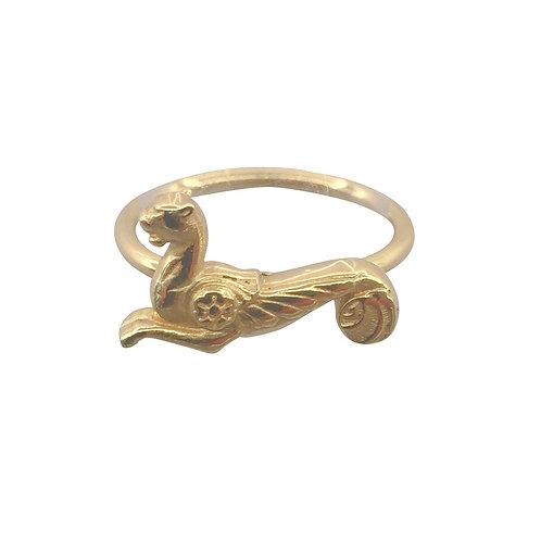 """Ring """"geflügelte Löwin"""" in 750er Gelbgold"""