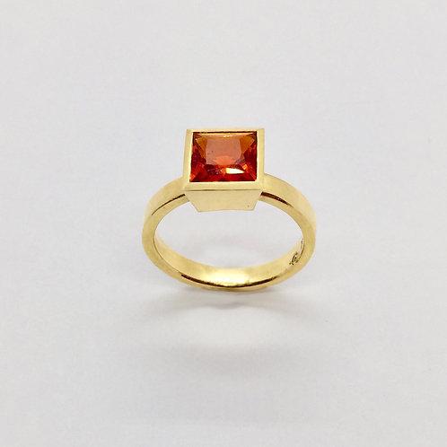 Ring in 750/- Gelbgold mit Feueropal, RW 54