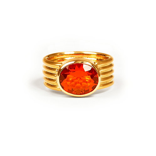 Ring in 750er Gelbgold mit Feueropal oval fecettiert, RW 51