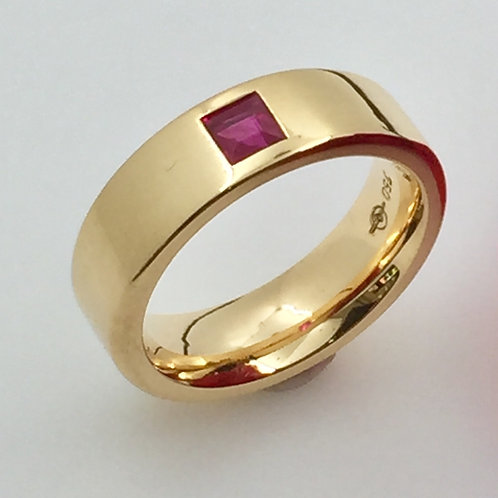 Ring mit Rubin carrée in 750er Roségold, RW 52,5
