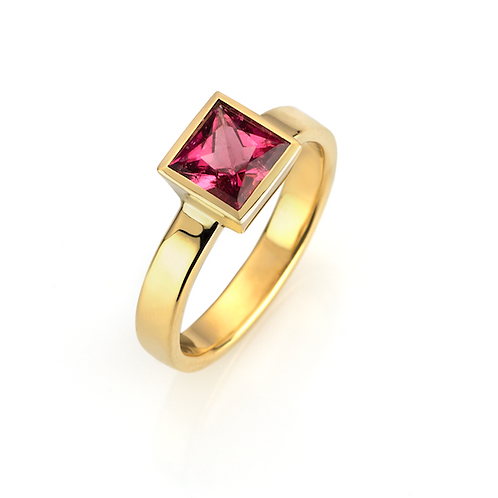 Ring in 750/- Gelbgold mit Turmalin, in RW 53