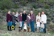 large family photos portraits on site ph
