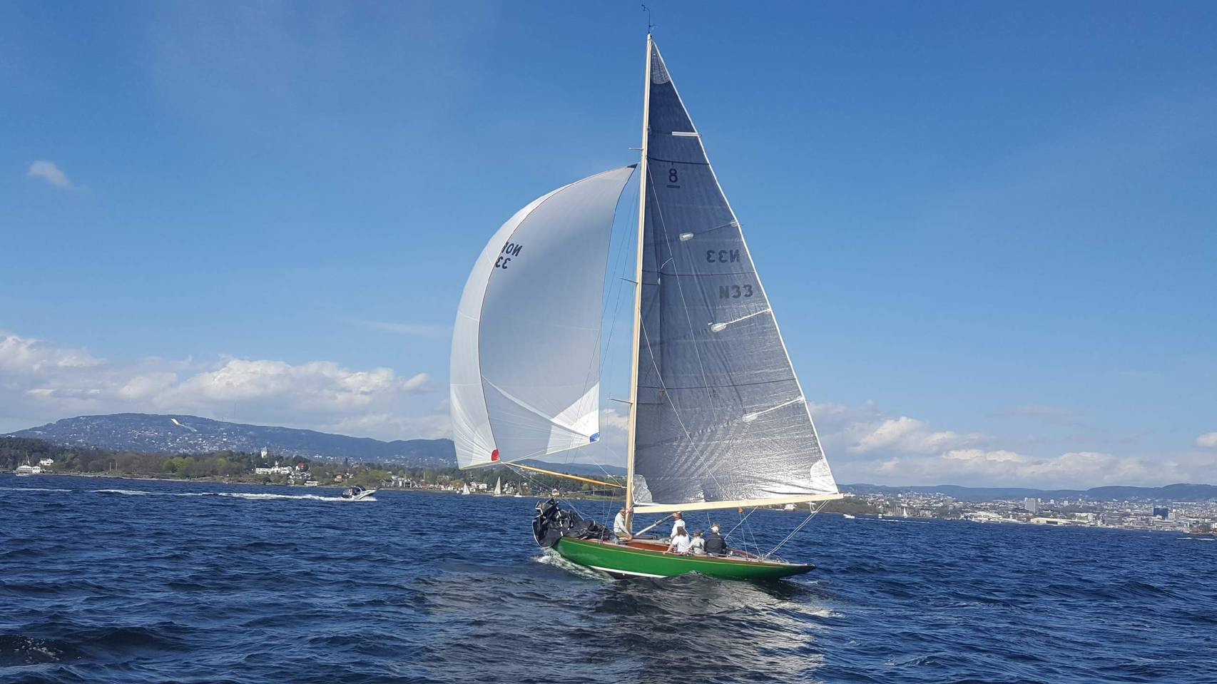 Sira sailing 2.jpg