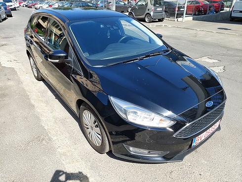 Ford Focus negru .jpg