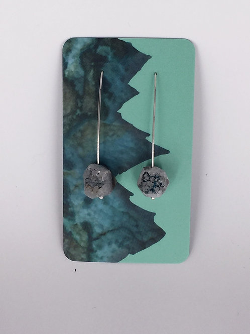 Rough-Cut Quartz Dangle Earrings