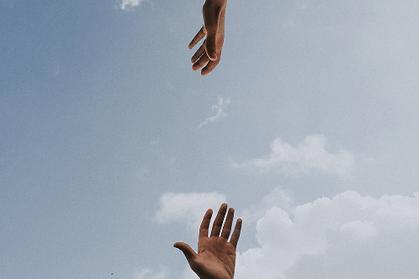 Undoing aloneness in trauma counselling