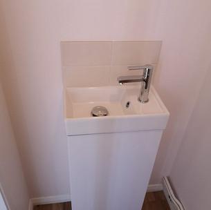 New cloakroom basin & unit