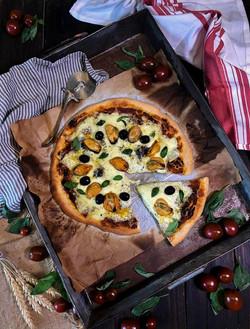 pizza-de-mejillones-conserveria-1884-con