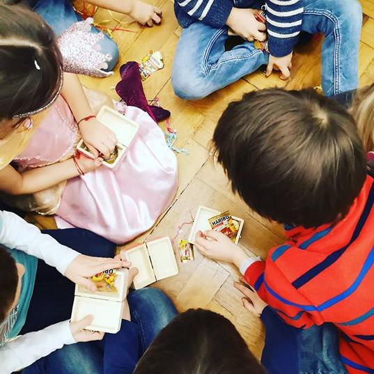 Kindergeburtstag feiern Mödling | Zaubershow für Kinder Wien