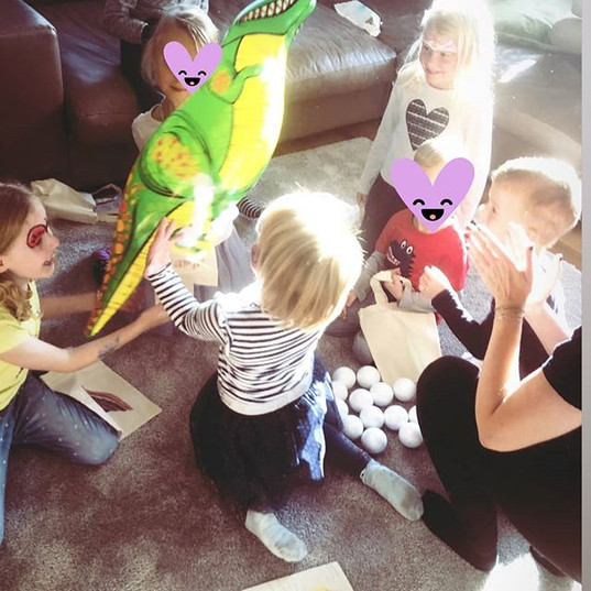 Dinoparty, Spiel und Spaß 🦕_Mit den Kin