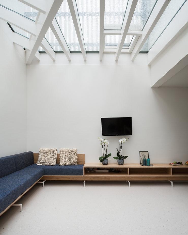 Kevin Veenhuizen Architects / vlinderdak aanbouw Amsterdam / hout en glasdak