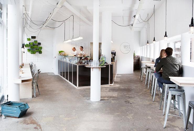Kevin Veenhuizen Architects / Saladebar Vers Hilversum / maatwerk horeca interieur