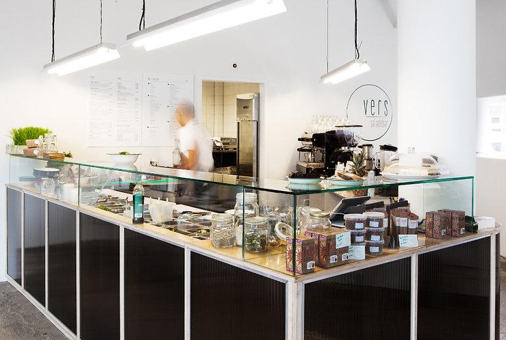 Kevin Veenhuizen Architects / Saladebar Vers Hilversum / maatwerk bar