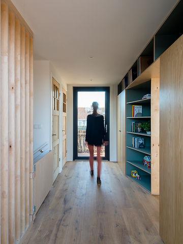 Kevin Veenhuizen Architects / dakopbouw Amsterdam / inbouwkast op maat