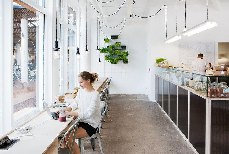 Kevin Veenhuizen Architects / Saladebar Vers Hilversum / tafel op maat
