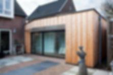 Kevin Veenhuizen Architects / aanbouw mindervalide Westervoort / houten gevel