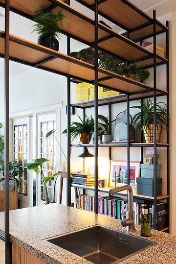 Kevin Veenhuizen Architects / verbouwing appartement Amsterdam / glas in lood schuifdeur