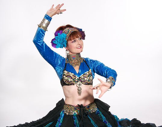 Richelle, tribal and bolly bellydancer.
