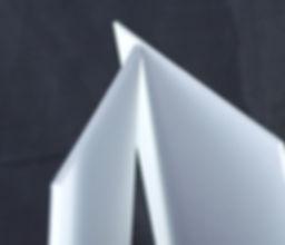 puntos de venta y señalamientos, Al utilizar rotulos de vinil la adhesión es excelente debido a la reacción molecular entre el gráfico y la superficie. Es el sustrato de elección para la pantalla de impresión y la impresión digital. Se puede termoformar y tiene una variedad de aplicaciones en el rotulado y las artes gráficas.