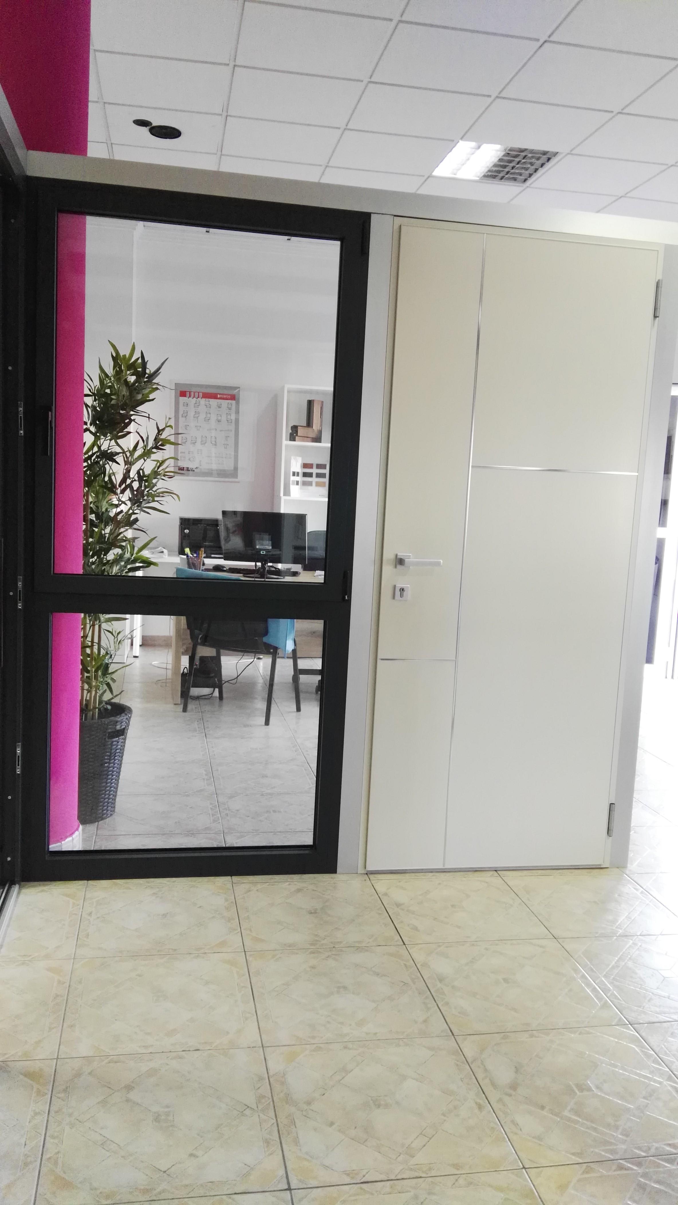 hoja invisible y puerta de entrada