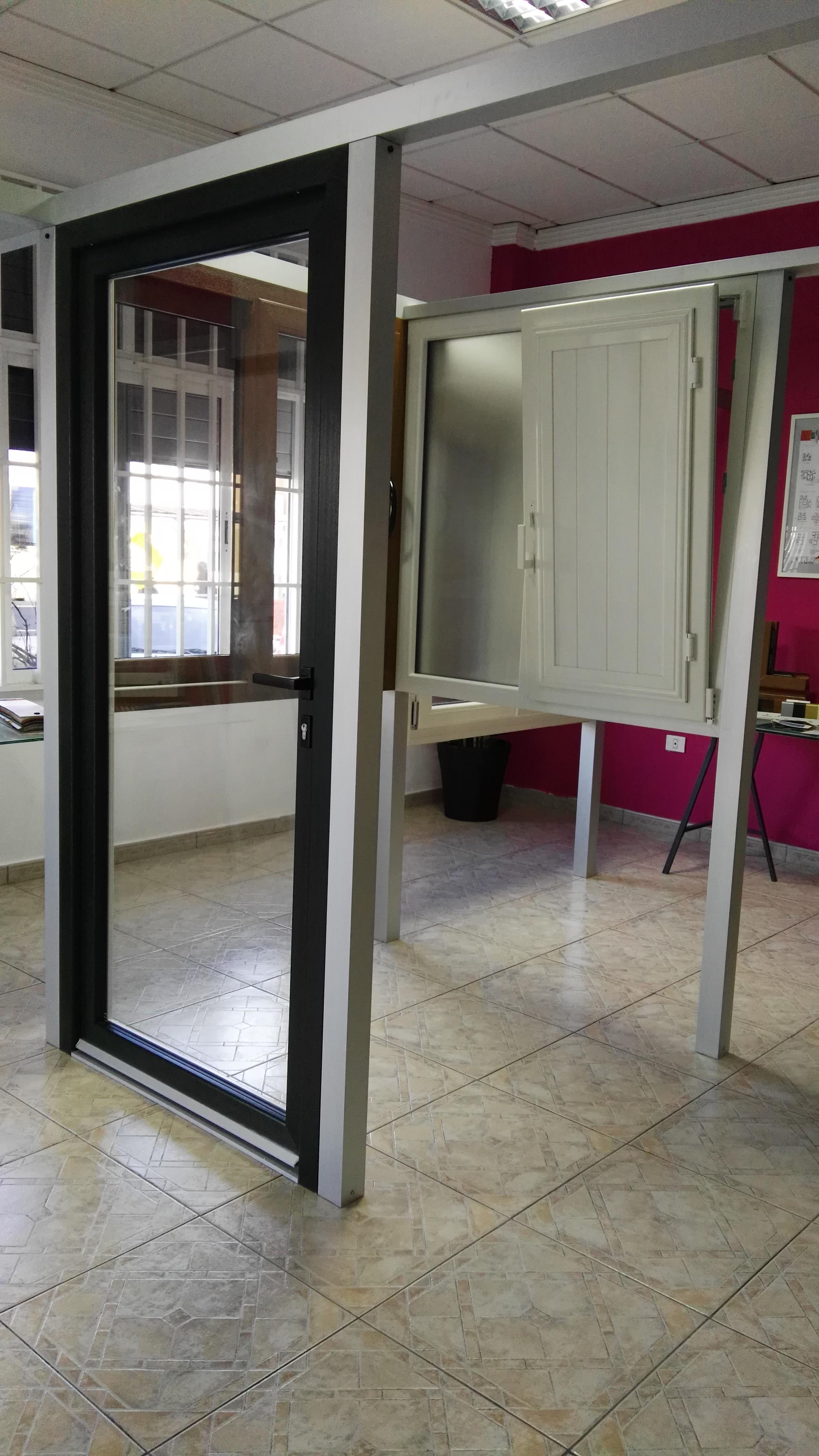 puerta de paso y ventana pvc