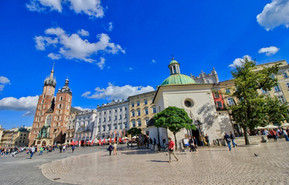 Rynek is the heart of Krakow's social and cultural life and a vibrant nightlife hotspot.