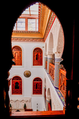 Riad Mazar in Fes Old Town - Courtyard, traditional Moroccan architecture