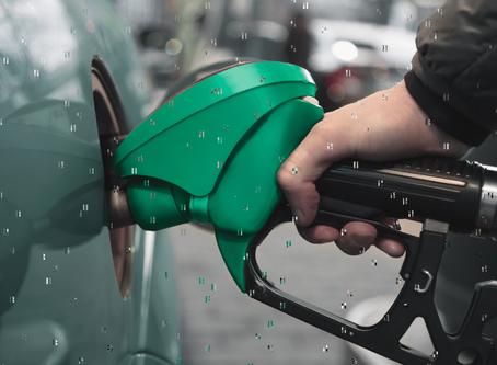 Gasolina mais cara chega ao Brasil, mas deixará veículos muito mais econômicos