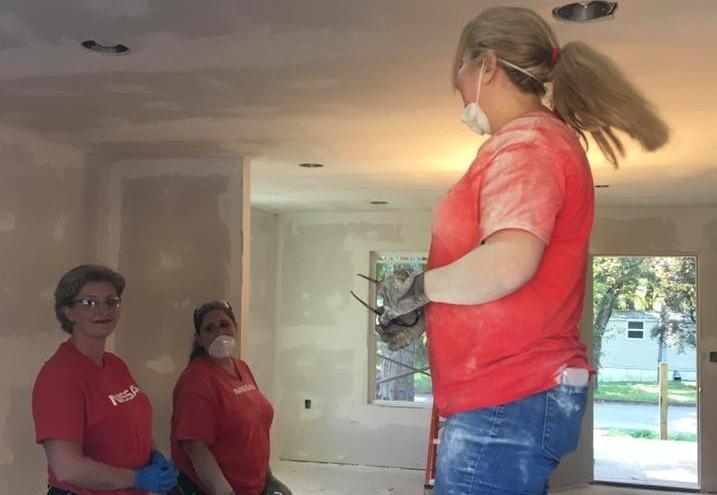 Nissan Sanding 3 Lady Volunteers_edited_
