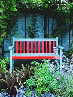 Garden-Bench-Plans-for-a-Tranquil-Haven-