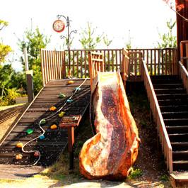 나무 미끄럼틀