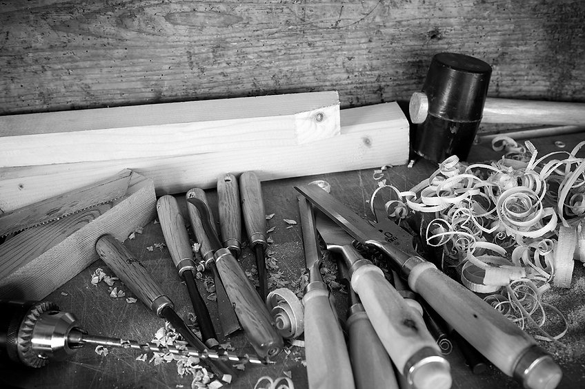 Wood shavings and chisels