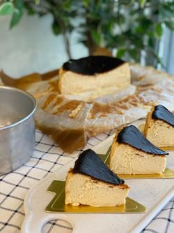 Brown Sugar Burnt Cheese Cake