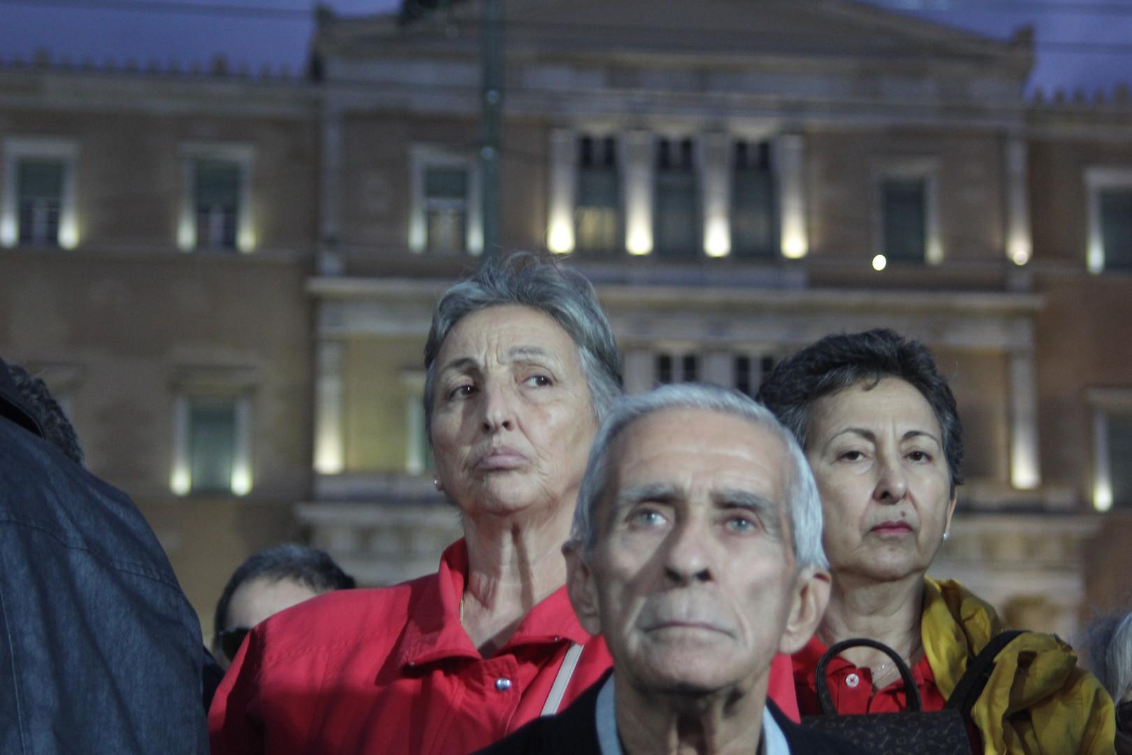 Greek protestors against migrants