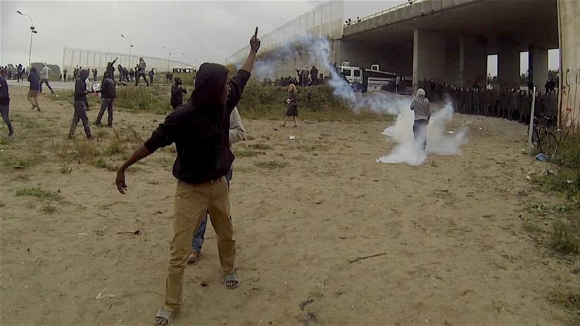 Callais refugee's protesting