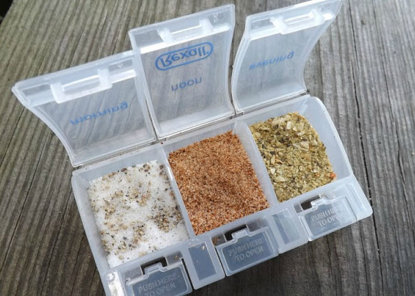 Pill Separator Spice Keep for Camping .jpg