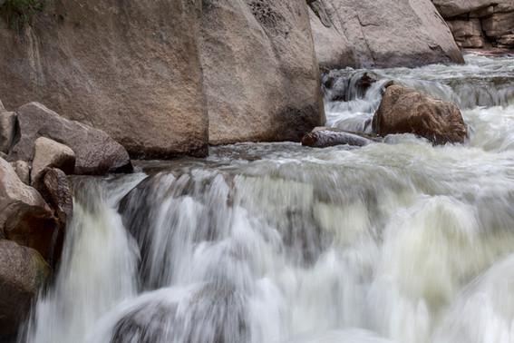 Roaring Stream RMNP drive4O4A2186Rcolor.jpg