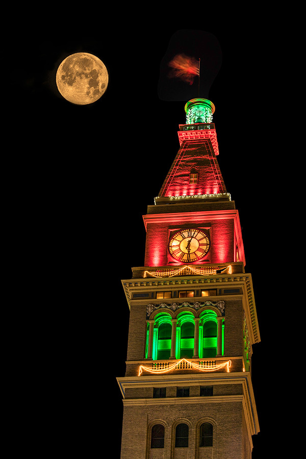 Tartakoff clocktower w moon 1652Rcolor .