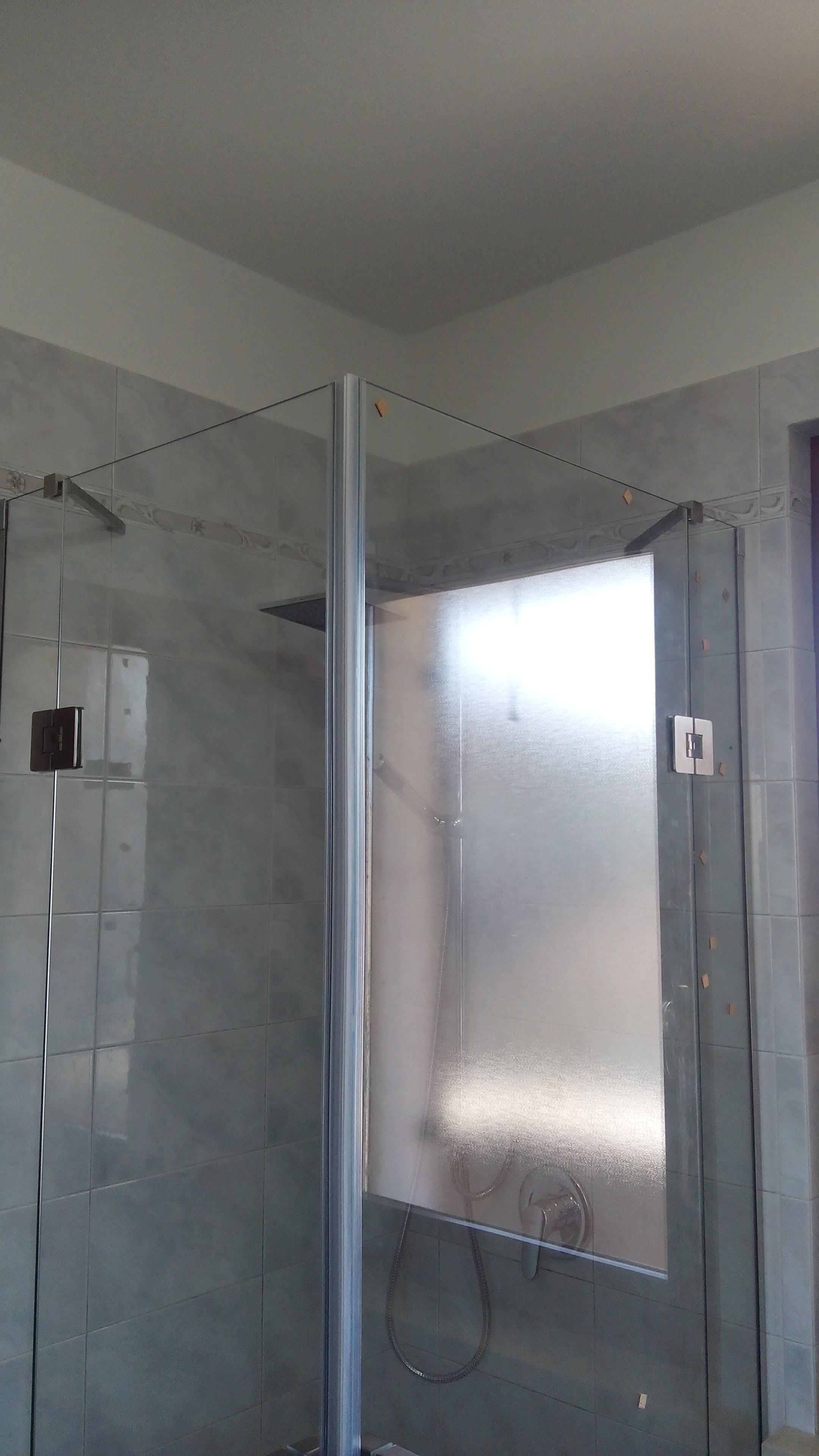 doccia_angolo_battente_cristallo