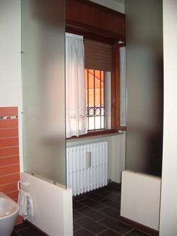 Divisorio_vetro_sabbiato_bagno
