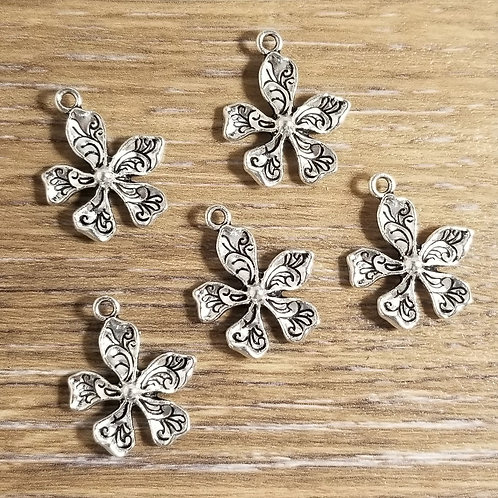 Petal Flower Charms (5)
