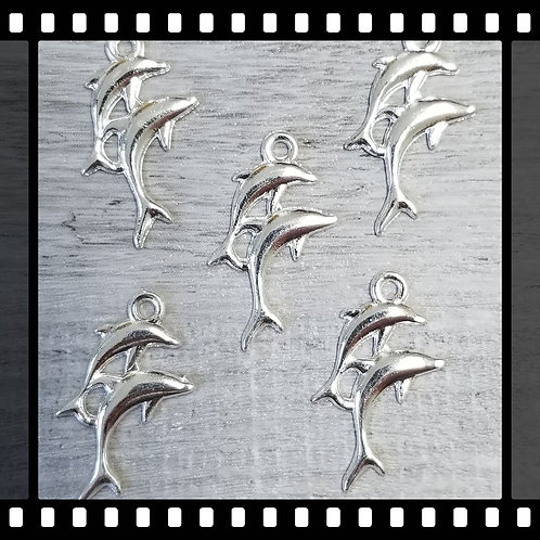 Small Dolphin Charms (5)