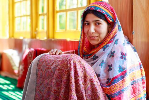 Aasiya, Sozni shawl, village Batwini, Di