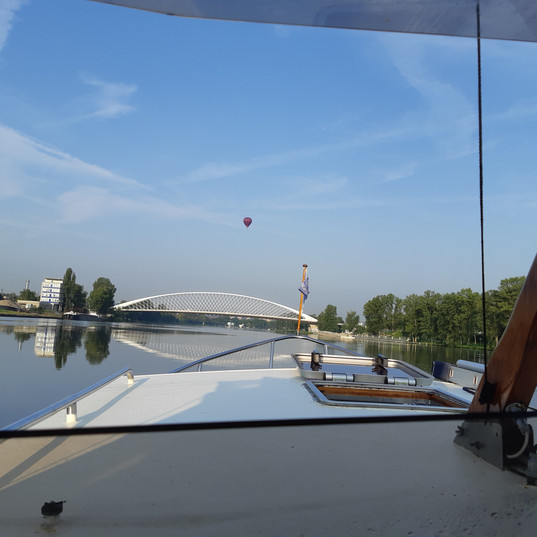 Trojský most z Carpediem.jpg