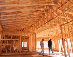 Custom tray roof trusses
