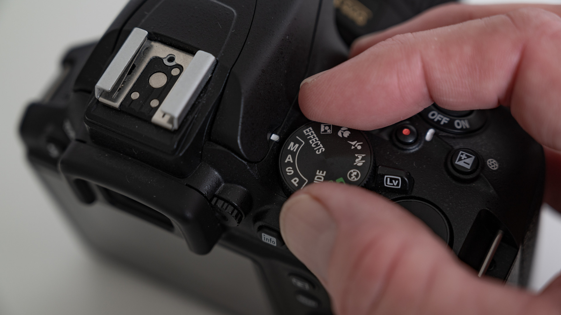camera detail d3500.jpg