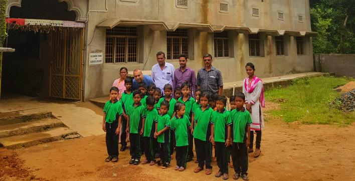Neue Schule, erste Schulklasse 1.jpg